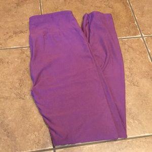 LulaRoe plum leggings